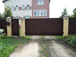 Распашные автоматизированные ворота.